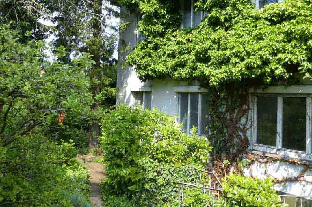 Idyllisches Dreifamilienhaus Stuttgart-Vaihingen zum Verkauf