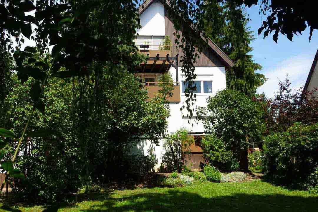 Zweifamilienhaus mit grossem Garten stuttgart Vaihingen